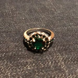 Jewelry - Emerald White Rhodium Plated Ring, Size 10